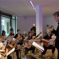 Ludwigs Naturkunde – Szene am Bach